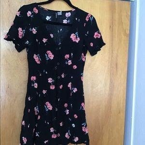 H&M divides juniors navy and pink floral dress